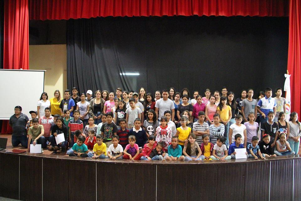 Primer entrega de apoyos escolares 2018.