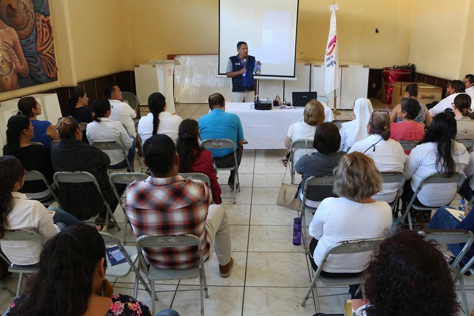 DIF Ocotlán y CEDHJ capacitan en atención a adultos mayores
